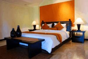 Design Helper orange wall bedroom_casartblog