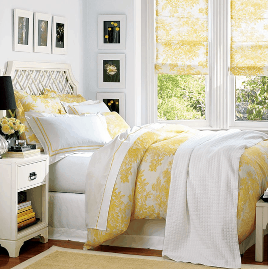 Toile duvet and window shades from Pottery Barn on Slipcovers for your walls, casarblog