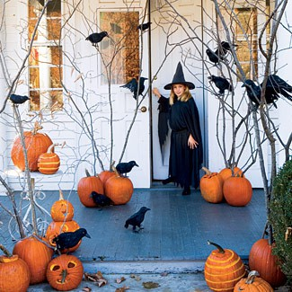 halloween-decorations-pumpkins via Deluxe Interior Desgin & Decoration, seen on casartblog