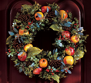 Williamsburg_DellaRobbia-wreath seen on Slipcovers for your walls, casartblog