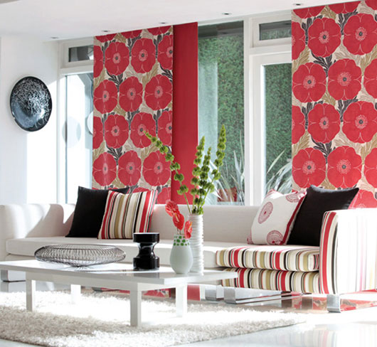 Example of Bold Flowers via Interior design.net as seen on Slipcovers for your walls, casartblog