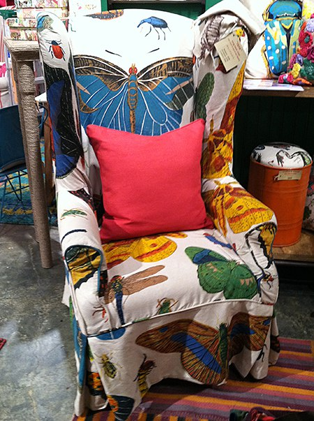 Kelly O'Neal-butterfly chair_casartblog, as seen on Slipcovers for your walls