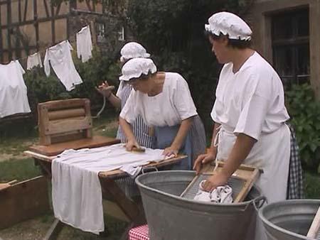 mid-Rhof-handwaschen.ogg, as seen on slipcovers for your walls, casartblog