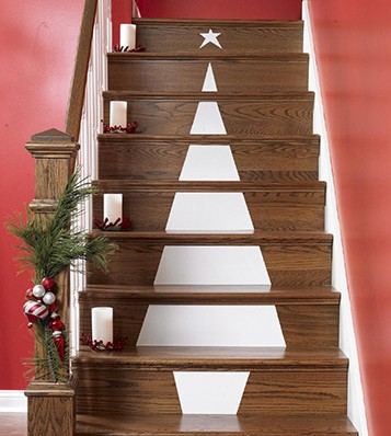 Lowes_Christmas-Tree-Stair-Decoration on casartblog