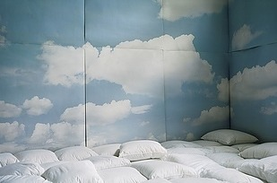 pillow cloud room-via ZDouf on Slipcovers for your walls, casartblog