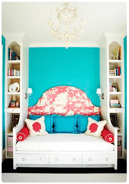 red pillows with headboard_casartblog