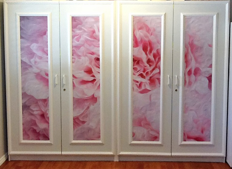 Casart Customer uses Ann Alger White & Pink Peonies on cabinet fronts as panels on casartblog