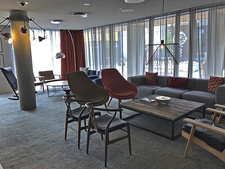 Hilton Canopy Reykjavik Lounge_casartblog