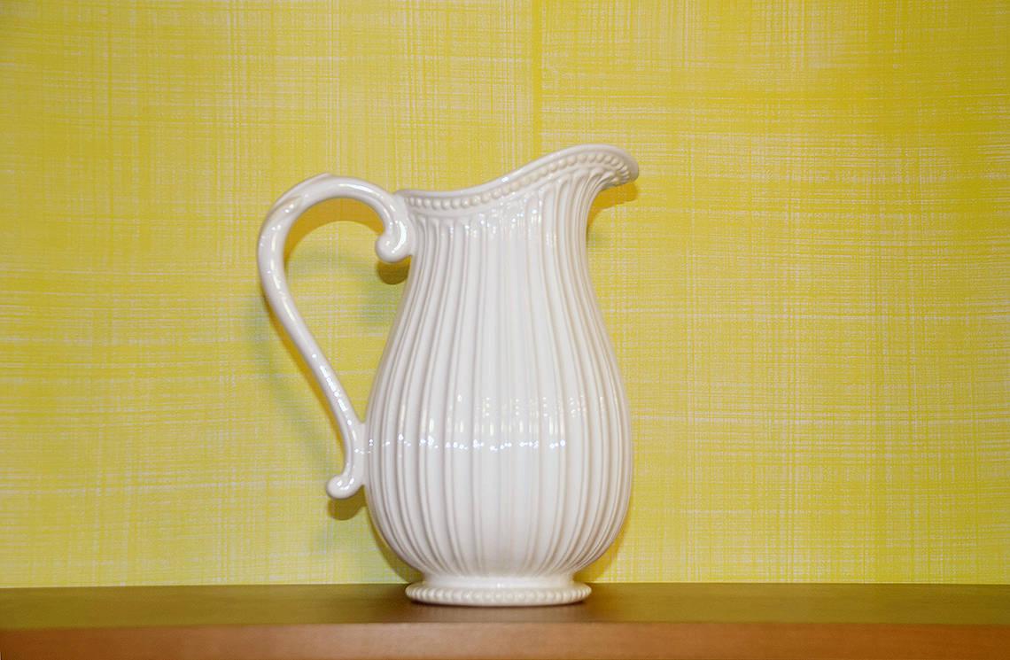 RSOL Detail of Jefferson Yellow Drysdale Signature Color Casart Faux Linen wallcovering_casartblog