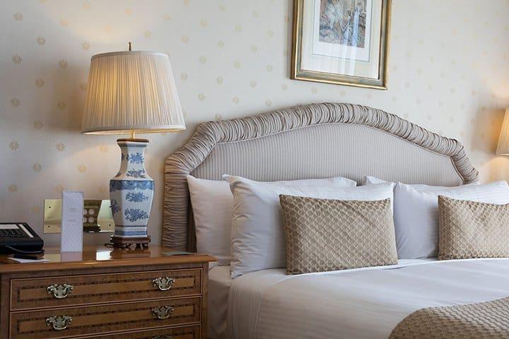 Bedroom elegance decor_casartblog