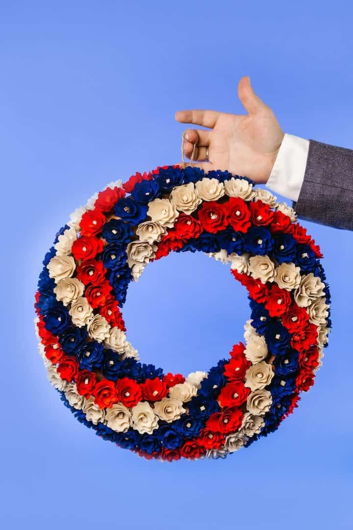 Patriotic wreath_Pexels Rodnae Productions_casartblog