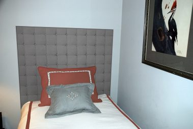 Casart coverings_Gray Faux Padded Headboard_Vignette_rm-w X