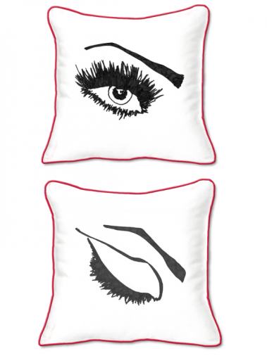 Casart Decor_Expressive Eyes L-SQ-red w_pillow slicpovers