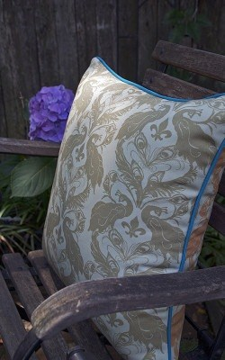 Casart decor Peacock Damask reversible, all-weather pillow cover