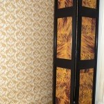 Screen with Casart Tortoiseshell and Peacock Damask Wallcovering