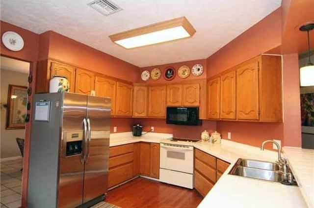 Kitchen Before Birds and Birch Casart temporary wallpaper