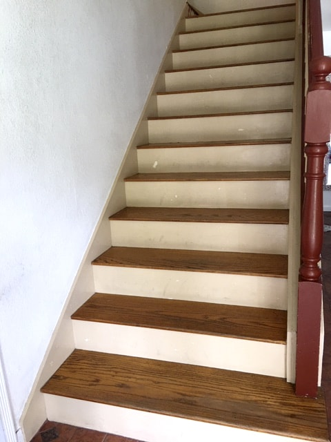 Customer Stairs Before Casart temporary wallpaper